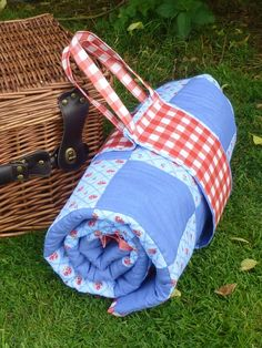 How To Make A Waterproof Patchwork Picnic Blanket And Carry Pack
