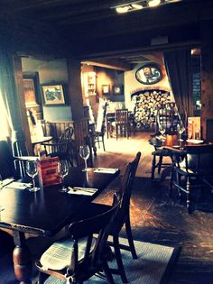 quintonwench: Football Crazy (Love the look of this English Pub!)