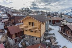 Renovated chalet of 2 apartments Price Reduction, Creta, Ski Lift, Us Real Estate, Village Houses, Exposed Beams, Ceiling Height, Alps, Ground Floor