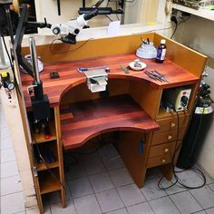 Jewelers Workbench, Best Workplace, Copper Accessories, Jewellers Bench, Engraving Tools, Workshop Organization, Built In Bench, Hobby Room, Garage Workshop