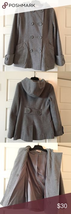 Gray pea coat Cute and warm wool pea coat! Only worn a few times - in like-new condition. Size S. Jennifer Lopez Jackets & Coats Pea Coats