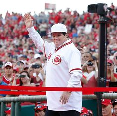 MLB's all-time hits leader, Pete Rose, was inducted into the Cincinnati Reds Hall of Fame before today's game vs San Diego.