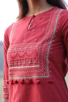 Embroidery On Kurtis, Hand Embroidery, Kutch Work, Summer Looks, Cotton Fabric, Sketch, Vogue, Tunic Tops, Marvel