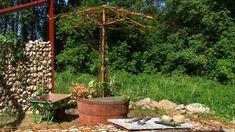 Parasollet i juni Firewood, Patio, Texture, Garden, Outdoor Decor, Crafts, Home Decor, Surface Finish, Woodburning