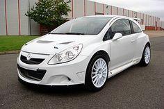 Opel Corsa S2000, entre 260 y 280 cv, tracción a las 4 ruedas y cambio secuencial de 6 velocidades.
