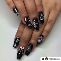 nails blue and white * nails blue ; nails blue and glitter ; nails blue and white ; nails blue and pink ; Black Coffin Nails, Black Acrylic Nails, Matte Black Nails, Black Nail Art, Black And White Nail Art, Black Nail Designs, Acrylic Nail Designs, Nail Art Designs, Nails Design