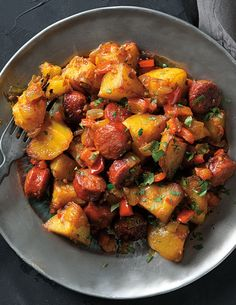 La Rioja–Style Potatoes | Try these Spanish-style potatoes cooked in a fry pan with chorizo, onions, bell peppers and chile.