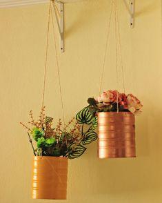 I have to admit – I am absolutely obsessed with mason jars, especially crafts from mason jars! Mason Jar Crafts, Mason Jars, Diys, Floating Candle Centerpieces, Jar Chandelier, Diy Blanket Ladder, Ideas Hogar, Diy Wall Shelves, Jar Lamp