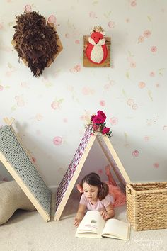 DIY A Frame Tent – Bauernhaus Indoor Style Kids Camping Zimmer - Campen & Natur Ideen Diy Teepee, Diy Tent, Teepee Tent, Indoor Tents, Indoor Camping, Crafts For Teens To Make, Diy For Kids, Kids Fun, Kids Crafts