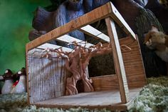 He Starts With Old Wire… Ends With The Bedroom You Always Wanted. - http://www.lifebuzz.com/treehouse-room/