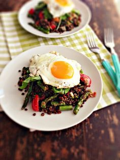 Warm Lentil, Bacon & Asparagus Salad with Fried Eggs - think ill lighten this up with less bacon and poached eggs