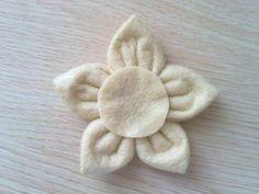 Cómo hacer flores de fieltro ¡Vídeos y tutoriales!