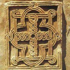 ქართული ჩუქურთმა Georgia Country, Wooden Pattern, Romanesque, Ancient Civilizations, Eastern Europe, Medieval, Carving, Traditional, Tattoo