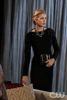 """""""Con Heir"""" GOSSIP GIRL Pictured Kelly Rutherford as Lily Van Der Woodsen  © 2011 THE CW Network, LLC.  All Rights Reserved."""