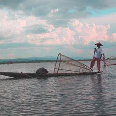 Pêcheurs du lac #inle #Birmanie #burma #myanmar au petit matin. #comptoirdesvoyages #comptoirdesvoyages_experiences2016