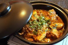 Chicken Tikka Massala by Jamie Oliver Art – Chez Requia, Cuisine and Confidences … - Fitness Doctors! Indian Food Recipes, Asian Recipes, Healthy Recipes, Chefs, Kitchen Recipes, Cooking Recipes, Jamie Oliver, Asian Kitchen, Weird Food