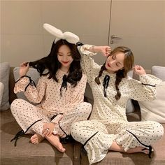 Pajama Outfits, Twin Outfits, Girl Outfits, Cute Outfits, Fashion Outfits, Korean Girl Photo, Cute Korean Girl, Korean Best Friends, Frock Fashion