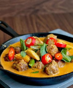 #RECIPE - Red Thai meatball curry