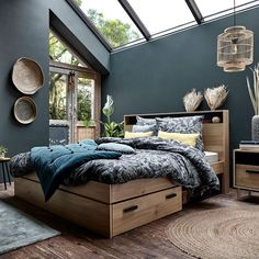 Discover the new Alinea catalog furniture and decoration collection fall 2019 PLANETE DECO a homes world Grey Bedroom Colors, Dark Blue Bedrooms, Bedroom Color Schemes, Blue Rooms, Shelves In Bedroom, Ikea Bedroom, Bedroom Furniture, Master Bedroom, Bedroom Decor