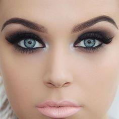 Perfect lips for dramatic smokey eyes using @makeupforeverofficial HD foundation @anastasiabeverlyhills dip brow in dark brown and liquid lipstick in milkshake @loraccosmetics mega pro palette @illamasqua precision gel liner and neutral palette (obsidian and wolf) @nyxcosmetics jumbo eye pencil in black bean and ultra pearl mania on inner corner @eldorafalseeyelashes #m102 lashes @maybelline mascara and @maccosmetics powder using @crownbrushuk brushes by brookesimonsmua