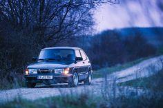 Saab 900 Turbo. I love these things.