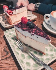 A Foodie's Guide to Copenhagen's Deliciousness! - La Vie En Marine Barista Course, Sweet Buns, Best Cheesecake, Coffee Tasting, Great Coffee, Love Cake, Deli, Hot Chocolate, Sweet Treats