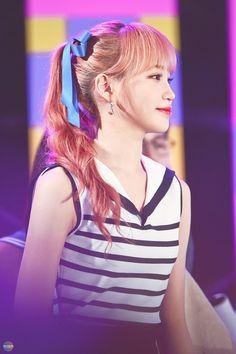 """트위터의 채원엔삼즈 님: """"190517 케이콘 #김채원 #キム・チェウォン #IZONE #아이즈원 #アイズワン… """" Japanese Girl Group, The Wiz, One And Only, Kpop Girls, Korean Girl, Dancer, Shit Happens, Princess, Hair Styles"""