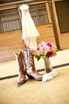Cute pic!   Country Wedding