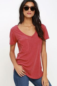 Not only will the Z Supply Pleasant Surprise Washed Red Tee put a smile on your face, it'll also show off your fabulous style sense! The V neck, short sleeves, and patch pocket keep the classic tee look on this comfy top, while jersey knit fabric has a burnout texture keeping it fresh and unique. Rounded hem brings the final touch.