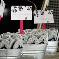 Thongs as wedding favours for a beach wedding. Hahahaha - brilliant! Can be bought cheaply (and can be personalised) at your Hens in Bali!