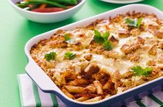 Savoury and creamy all at once, this hearty oven-baked pasta recipe is easy and delicious!  Served with a crisp green salad, this penne pasta casserole is a weeknight dinner winner!
