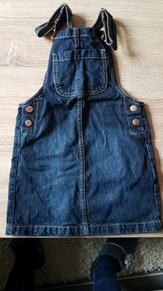 Jupe salopette en jean taille 6 ans Salopette Jeans, Overall Shorts, Overalls, Female, Women, Fashion, Dungaree Skirt, 6 Year Old, Human Height