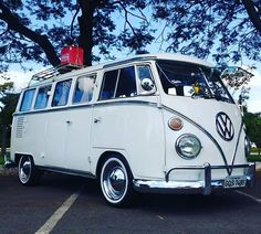 Kombi luxo do nosso amigo @rillervip #kombi #kcb #kombiclubebrasilia #kombilovers #Volkswagen #kombipelomundo #kombination #vwbus #t1 #equipektr #oldvwsp #ardaroca #vosvos #vwbus #vwkombi #vocho #vwporn #vwlove #oldschool #vintage #vwtype1 #aircooled #bus #busporn #hoodride  #vwcamper #tosba #best