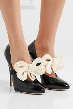 Gucci - Bow-embellished patent-leather pumps 290c5957ecd0