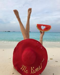 ~Beach Red~ enjoy every single moment of your honeymoon Beach Photography Poses, Beach Poses, Summer Photography, Creative Photography, Happy Summer, Summer Of Love, Summer Beach, Summer Time, Summer Pictures