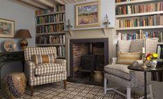 Cozy English library - Designers Guild
