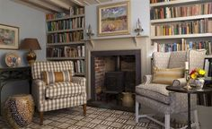 Cozy English library - Designers Guild
