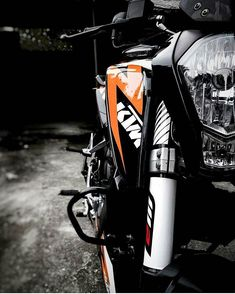 Cars Discover Click Image To See More Faster faster faster until the thrill of speed overcomes the fear of death. Ktm Super Duke, Duke Motorcycle, Duke Bike, Retro Motorcycle, Ktm Duke 200, Ns 200, Ktm Motorcycles, Bike Quotes, Quotes Quotes