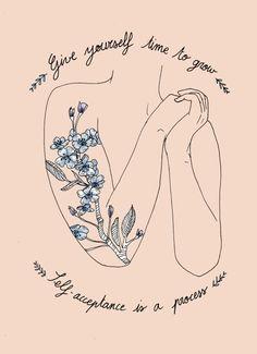 Nem todas as tatuagens femininas precisam ser delicadas, algumas podem passar fortes mensagem de empoderamento e amor próprio.