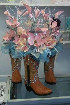 Locating Swift Programs Of Magical Quinceanera Party Decorations - Joy Mexican Quinceanera Dresses, Quinceanera Planning, Quinceanera Themes, Quinceanera Invitations, Western Centerpieces, Quinceanera Centerpieces, Party Centerpieces, Flower Centerpieces, Quince Decorations