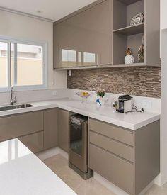 Ideas Kitchen Tiles Beige Cabinets For 2019 Kitchen Cupboard Designs, Kitchen Room Design, Home Decor Kitchen, Interior Design Kitchen, Kitchen Furniture, Kitchen Modular, Modern Kitchen Cabinets, Small Modern Kitchens, Beautiful Kitchens