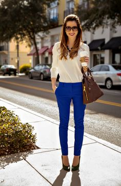 Nice 50 Comfy Blouse And Pants Work Outfits Ideas Blue Pants Outfit, Blouse Outfit, Dress Pants, Colored Pants Outfits, Outfit Work, Dress Shirt, Outfit Ideas, Cobalt Blue Pants, Women Pants
