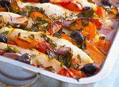 Baked fish with vegetables - Gebackener Fisch mit Gemüse Try the delicious baked fish with vegetables from Eat Smarter or one of our other healthy recipes! Potluck Recipes, Cooking Recipes, Healthy Recipes, Potluck Meals, Healthy Food, Best Seafood Recipes, Fish Recipes, Barramundi Fish Recipe, Tapas