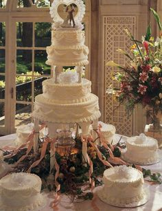 Wedding Cakes with Fountains - Fountain Wedding Cakes Big Wedding Cakes, Wedding Cake Fresh Flowers, Wedding Cake Decorations, Elegant Wedding Cakes, Beautiful Wedding Cakes, Elegant Cakes, Party Centerpieces, Beautiful Gowns, Perfect Wedding