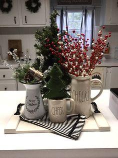 After Christmas, Noel Christmas, Christmas 2019, Simple Christmas, Beautiful Christmas, Christmas Crafts, Cheap Christmas, Vintage Christmas, Christmas Mantels
