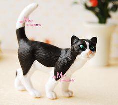 White Black Walking Cat  1/6 scale Barbie DOLL Dollhouse Miniature