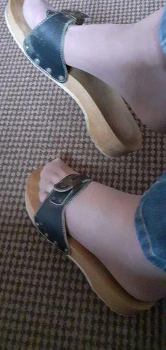 Dr Scholls Sandals, Dr Scholls Shoes, Nylons, Birkenstock, Exercise, Fan, Heels, How To Wear, Women