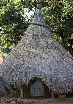 Anuak Traditional Hut In Abobo, The Former Anuak King Village, Gambela Region, Ethiopia | Flickr - Photo Sharing!