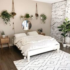 Modern And Minimalist Bedroom Design Ideas is part of Master bedrooms decor - Minimalistic interior design style is getting more popular today Minimalism means simple and basic, without utilizing a lot of ornaments […] Room Ideas Bedroom, Home Bedroom, Bedroom Inspo, Bedroom Designs, Warm Bedroom, Light Bedroom, Bedroom Apartment, Master Bedrooms, Bedroom Furniture