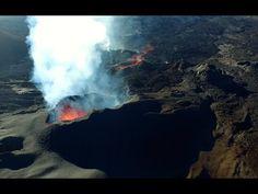 L'éruption du piton de la fournaise au plus près par drone